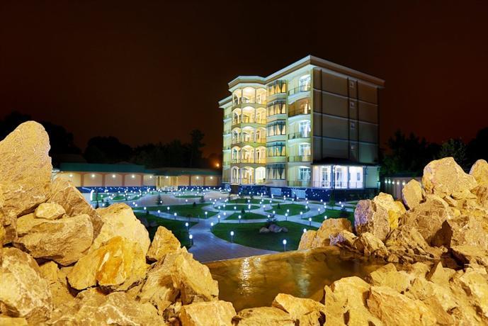 Lotus Hotel Dushanbe
