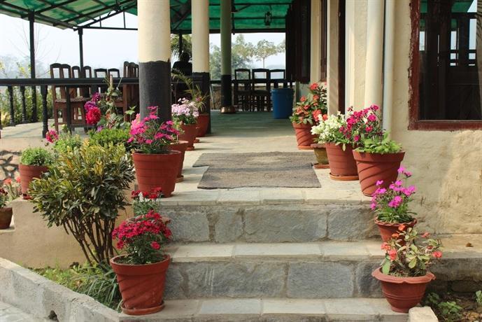 Hotel River Side Jhawani