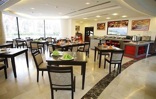 Hotel Eco Premium Plaza Meru