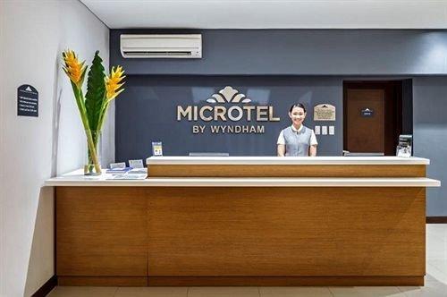Microtel by Wyndham Acropolis