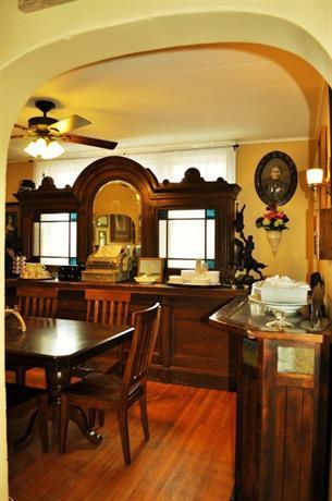 Victorian Inn & Carriage House