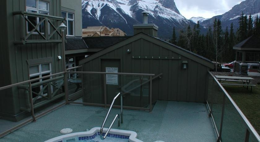 Windtower Lodge & Suites Canmore