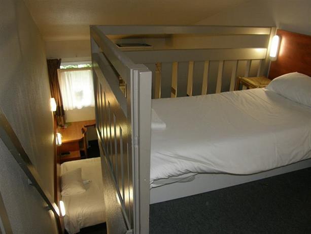B&B Hotel Chartres 1