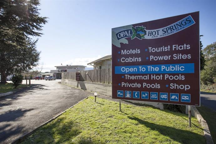 Opal Hot Springs And Holiday Park