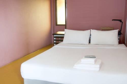 B2 Santitham Hotel