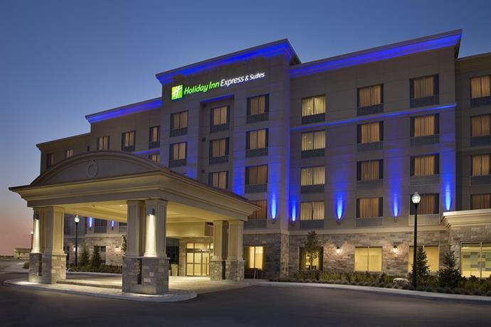 Holiday Inn Express Hotel & Suites Southwest Vaughan
