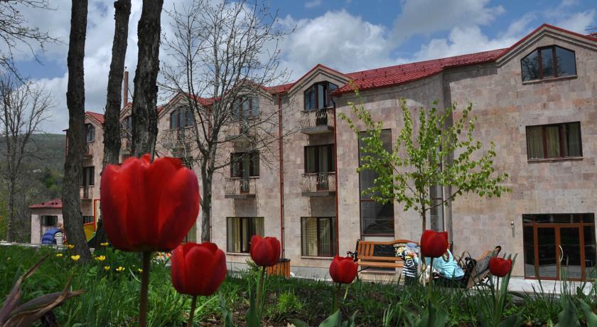 Alpina Hotel Tsaghkadzor