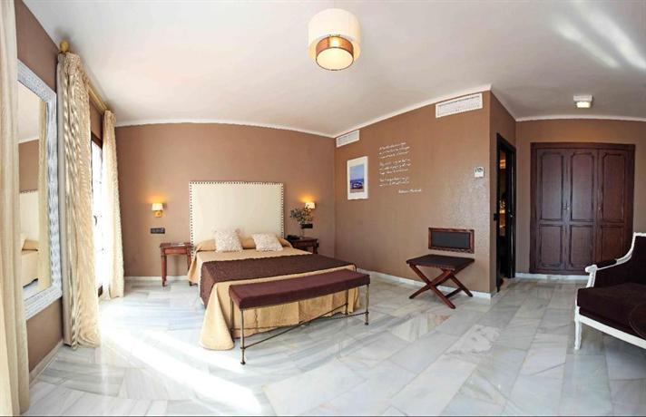 Hotel La Fonda Benalmadena