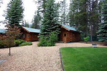 Silverwolf Log Chalet Resort