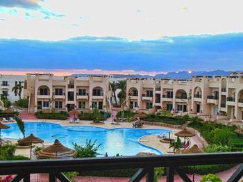 Sunny Lakes Apartment