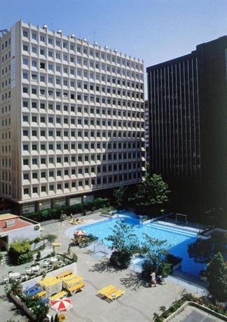 Tryp Madrid Chamartin Hotel