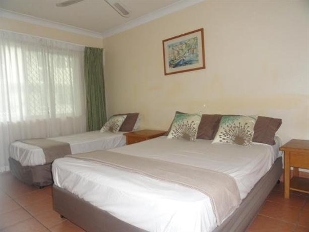 Lake Central Cairns Hotel