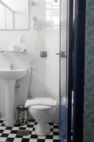 ZEN Rooms Delcio Vilares