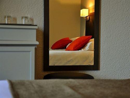 Domaine De Fompeyre Hotel Bazas