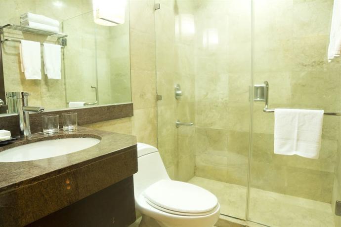 Crown Regency Hotel Makati
