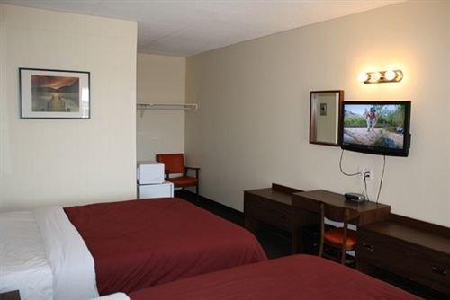 Empress Inn & Suites