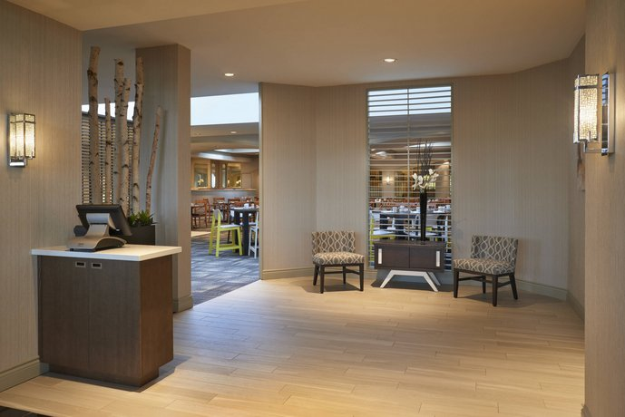 82 Delta Hotels Toronto Airport Conference Centre 655 Dixon Road