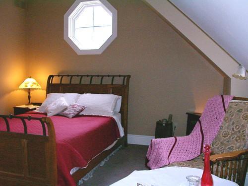 Antique Slumber Bed & Breakfast_20